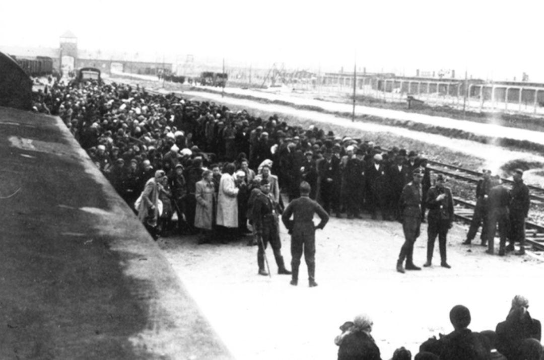 比吃鸡残酷100倍的二战绝地求生,150名战俘只逃出11人插图(2)